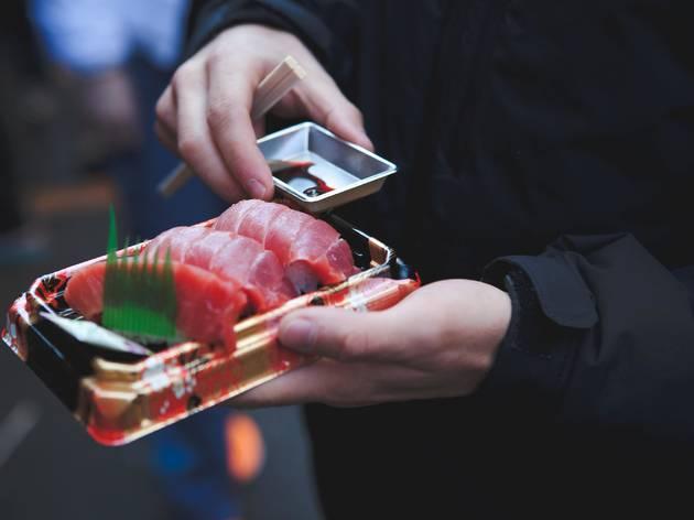 Tsukiji street food - sashimi