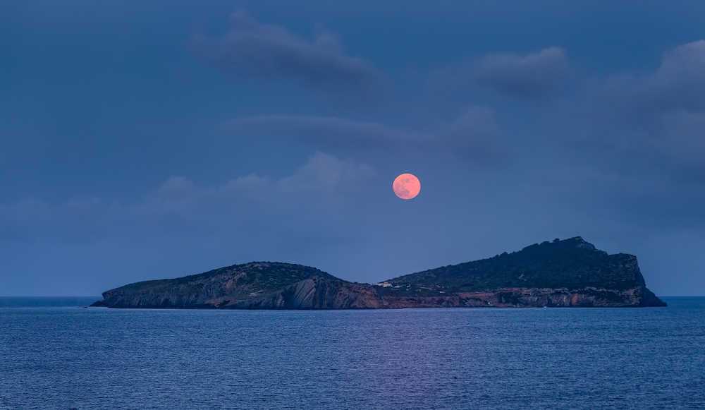 A full 'sturgeon moon' will be lighting up skies next week