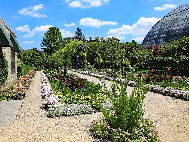Garfield Park Conservatory, Shutterstock