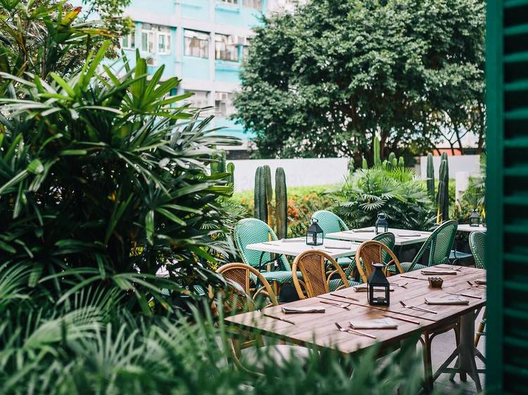 Best restaurants in Hong Kong with outdoor seating