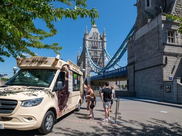tower bridge in London heatwave