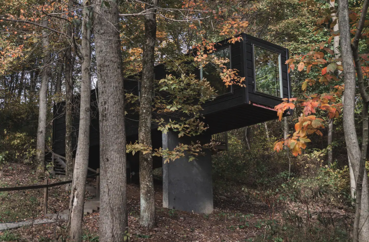 The Box Treehouse Airbnb