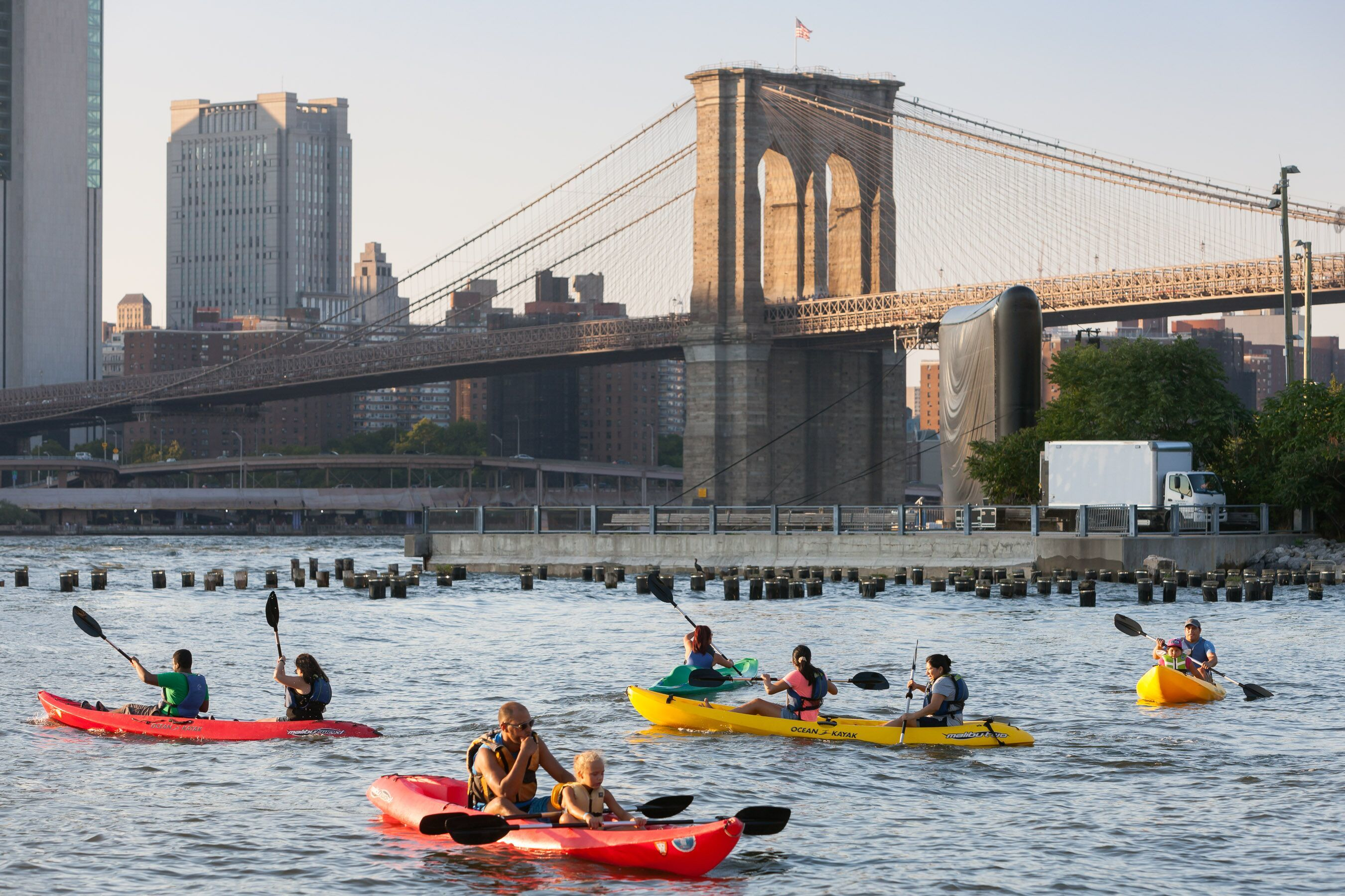 Free kayaking is returning to Brooklyn Bridge Park