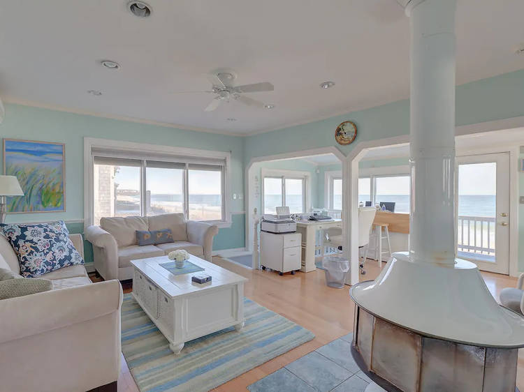 Beachfront cottage in Plymouth, MA