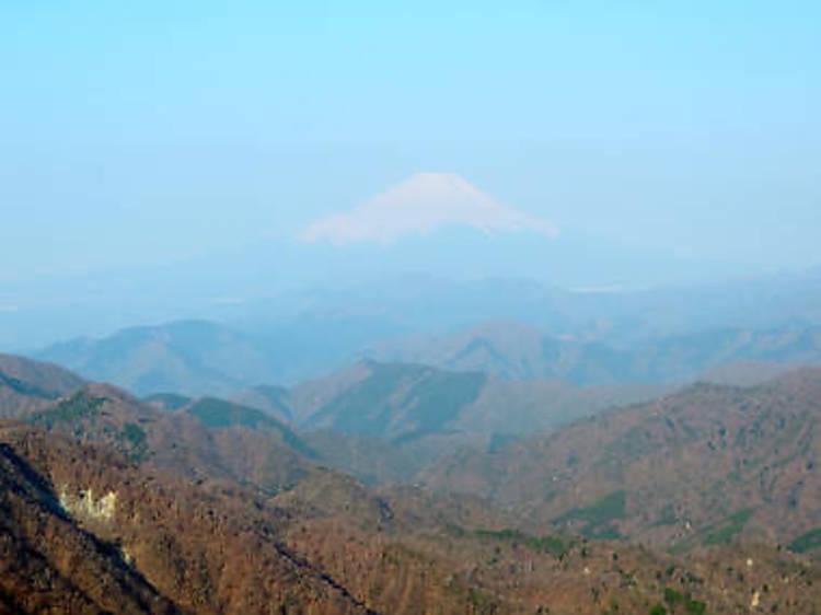 丹沢山地(1673メートル)
