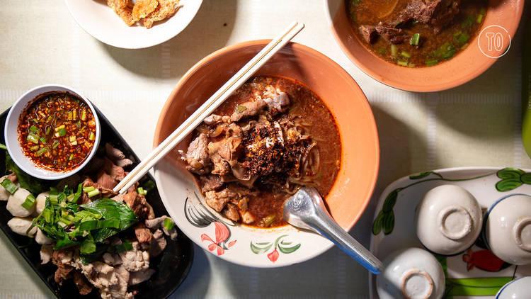 Best street food restaurants on Ban Tad Thong