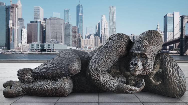gorilla statue, new york city, hudson yards
