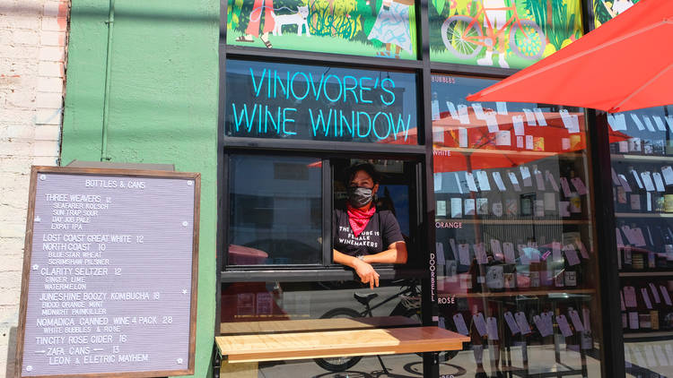 Vinovore wine window