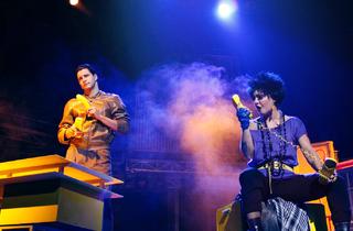 Actores en escena del musical Mentiras