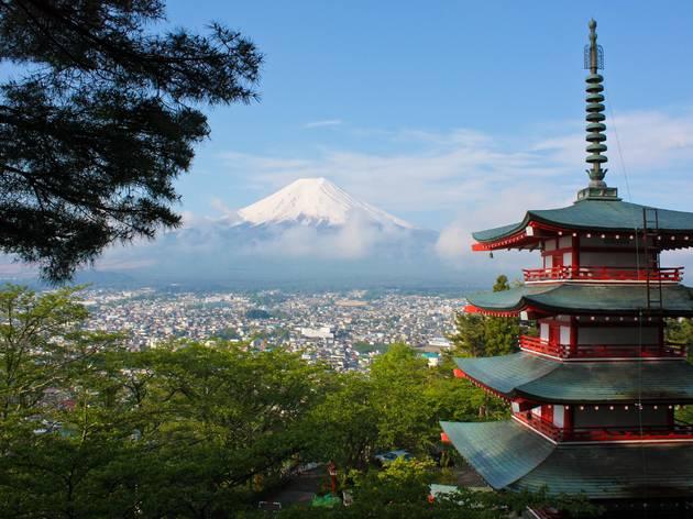 Mt Fuji, Fujiyoshida pagoda