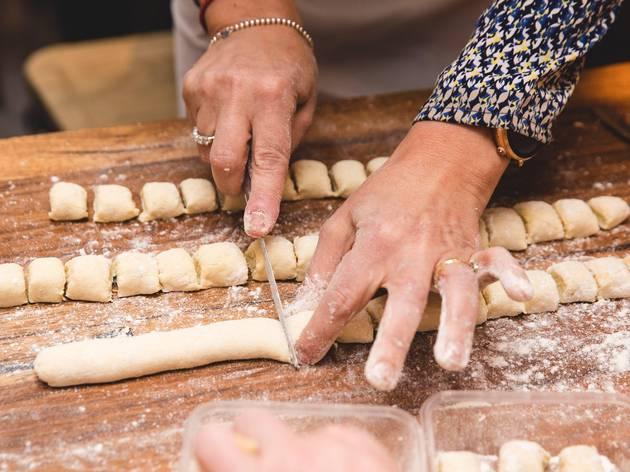 48h Pizza e Gnocchi gnocchi making