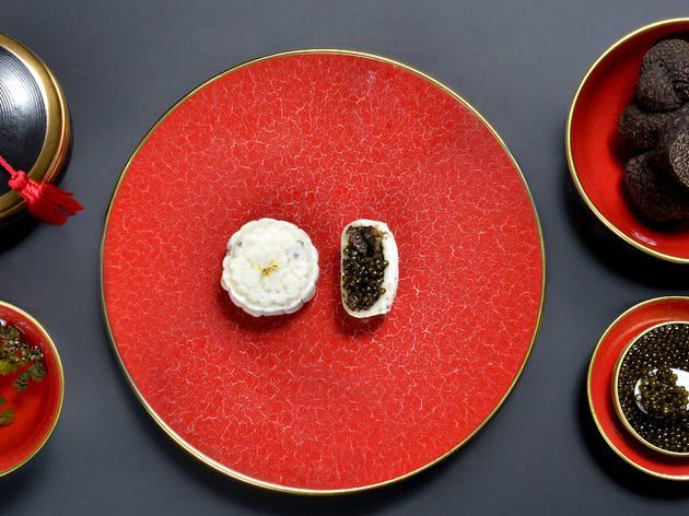 The Royal Caviar Club mooncake