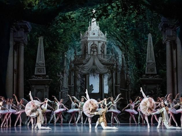 L'Opéra de Paris projette gratuitement des œuvres en plein air !