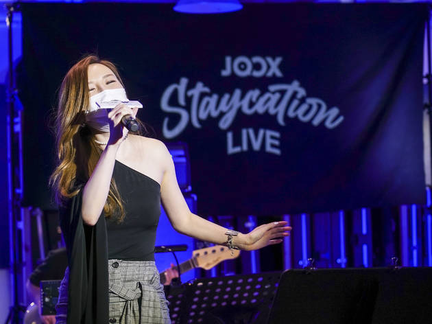 Joox Staycation Live 網上音樂會一連四個月開直播!八月林欣彤打頭陣獻唱新曲