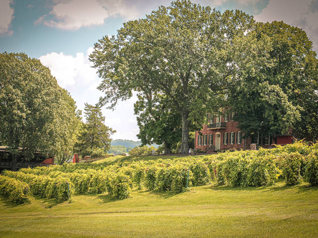11 Midwest wineries worth a getaway