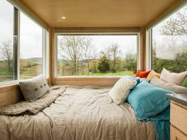 Airbnb tiny glass house hudson valley