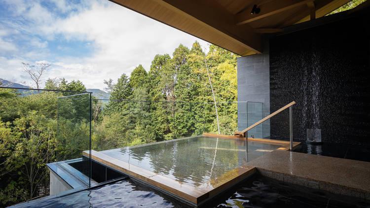 Hiramatsu Hotels & Resorts Hakone-Sengokuhara – outdoor onsen