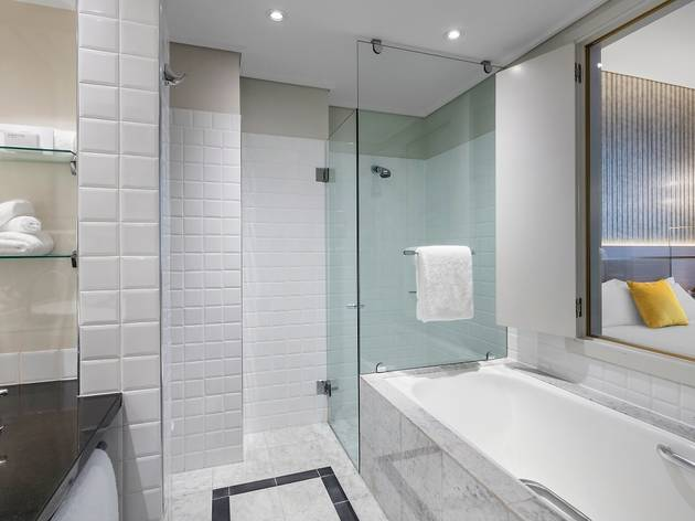 Radisson Blu Plaza Hotel Sydney Superior Bathroom