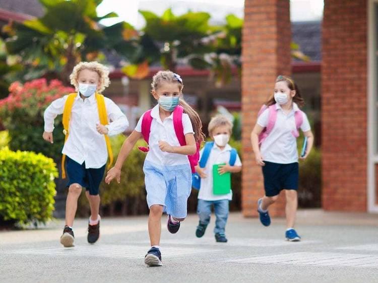 Patis escolars de Barcelona oberts durant les vacances
