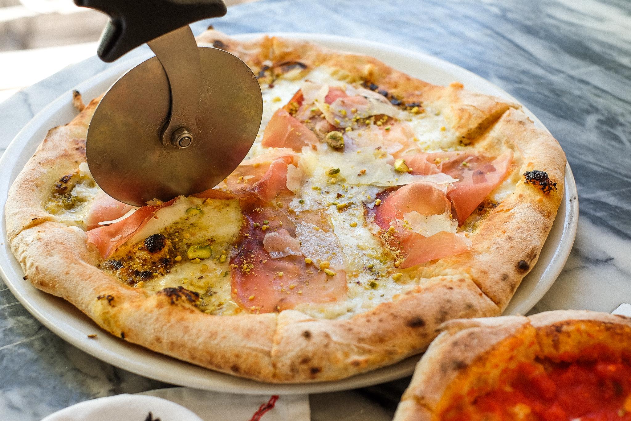 Pizza Bronte – Mano a Mano