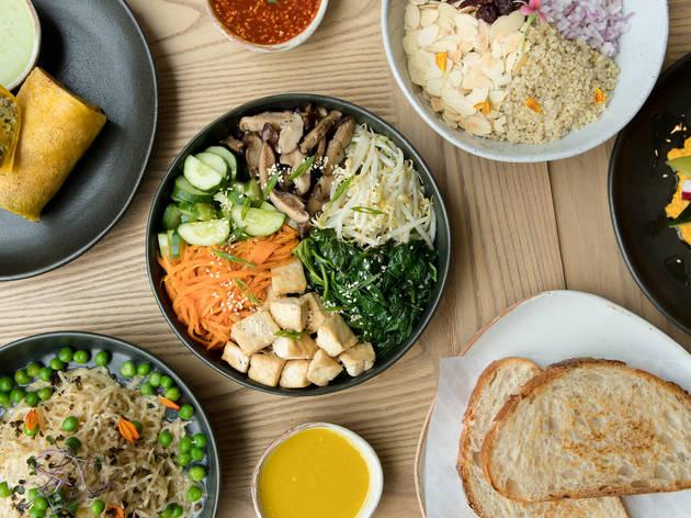 10 ร้านอาหารสุขภาพแนะนำในกรุงเทพฯ สำหรับมื้อที่ดีต่อกายและใจ