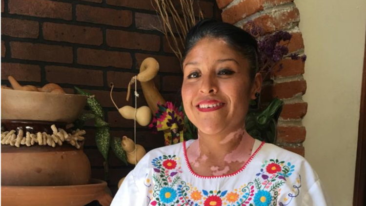 Retrato de la cocinera tradicional Dalia Rodríguez en Mexicano Masaryk
