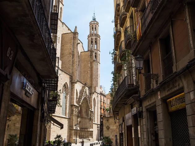 Santa Maria del Mar vista des del carrer Argenteria