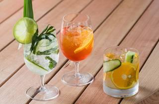 Cocktails at Diggies