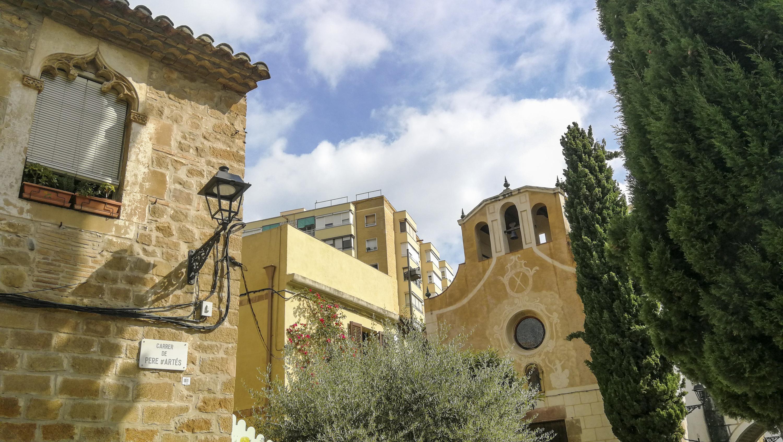 Parròquia de Santa Eulàlia, al carrer de Pere d'Artés, Nou Barris.
