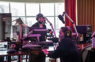 La proeza de hacer radio queer: Joaquina, Miranda y Mike