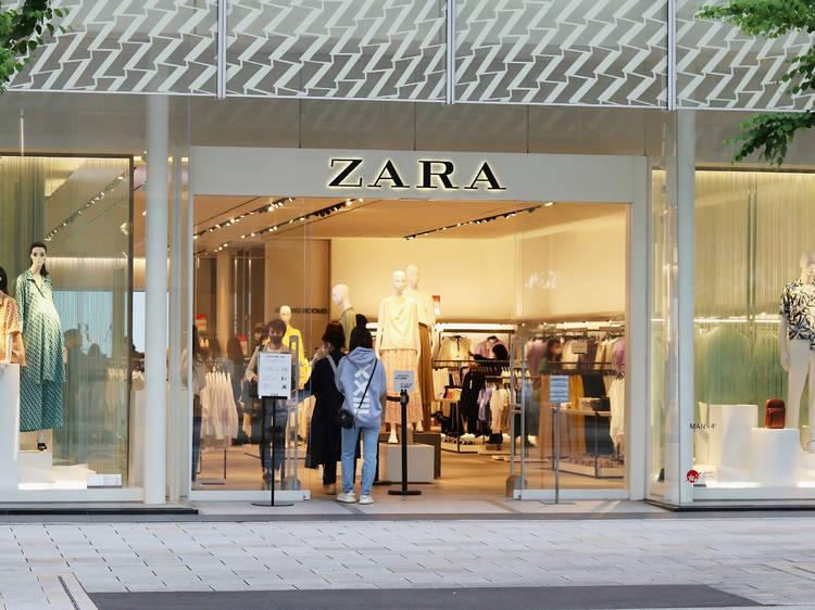 Zara empieza a cobrar por sus bolsas y ofrece otras reutilizables
