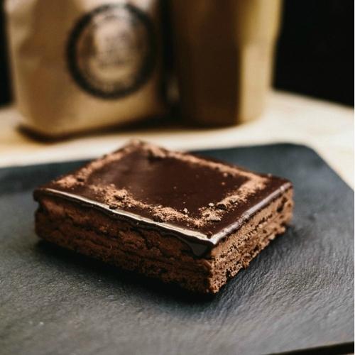 Tartas del Norte chocolate bomb cake