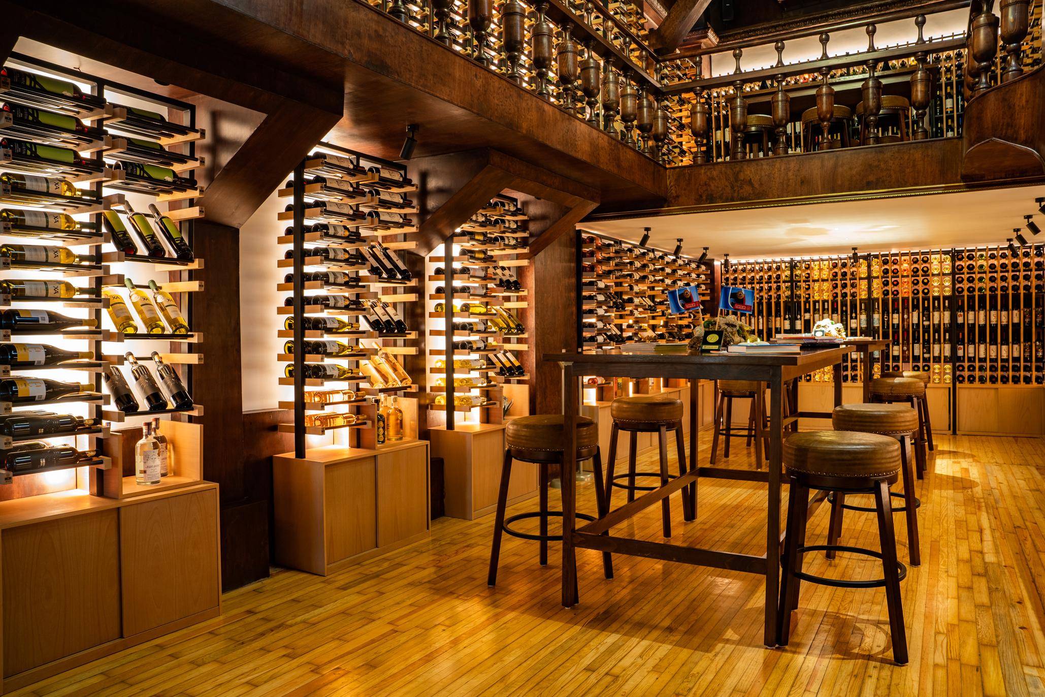 Wine library en el Wine Bar by Concours Mondial de Bruxelles
