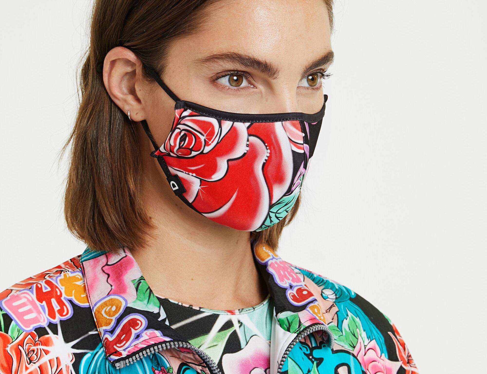 Mascarillas de pasarela de diseñadores españoles