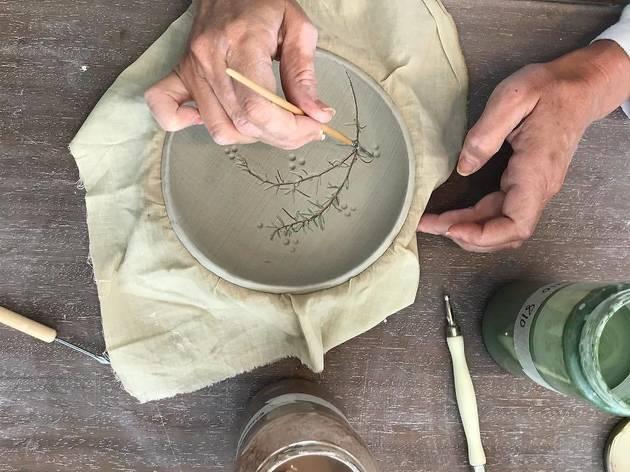 Aprenda a fazer cerâmica na Nü Coworking