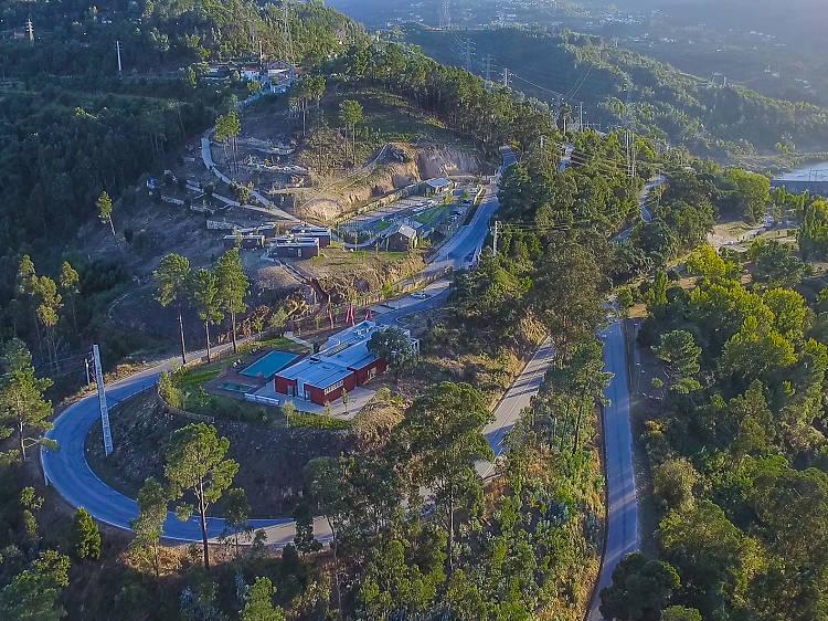 Doze parques de campismo em Portugal para dormir à luz das estrelas