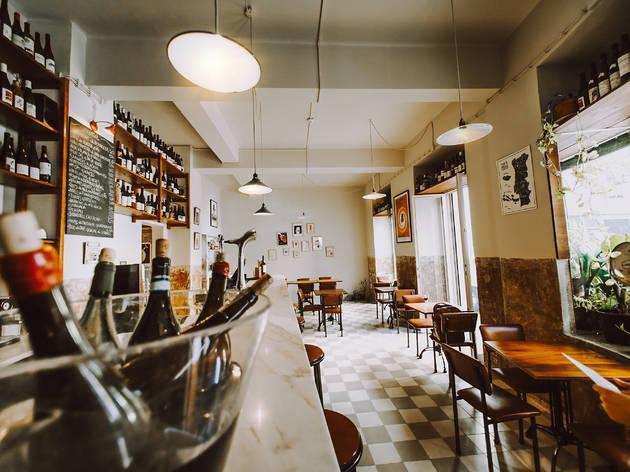 Experiências pós-confinamento: longa vida ao café Tati