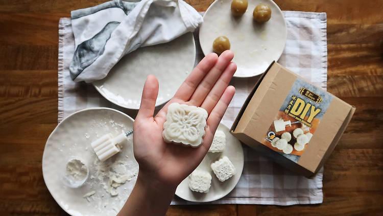 Jim's Malaysia DIY mooncake kit