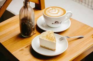 Tsuen Wan browny cafe