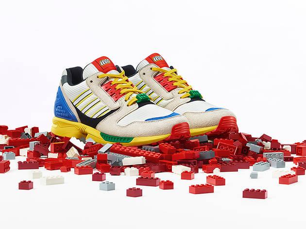 สนีกเกอร์คอลแลปส์ระหว่าง Adidas x LEGO พร้อมวางจำหน่ายให้ใส่ย้อนวัยสนุกได้ 25 ตุลาคมนี้