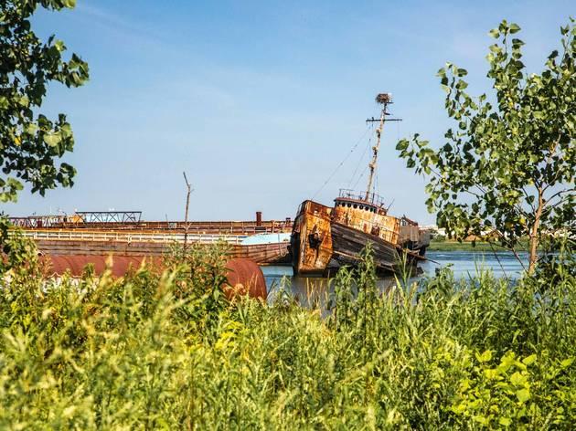 Arthur Kill boat graveyard