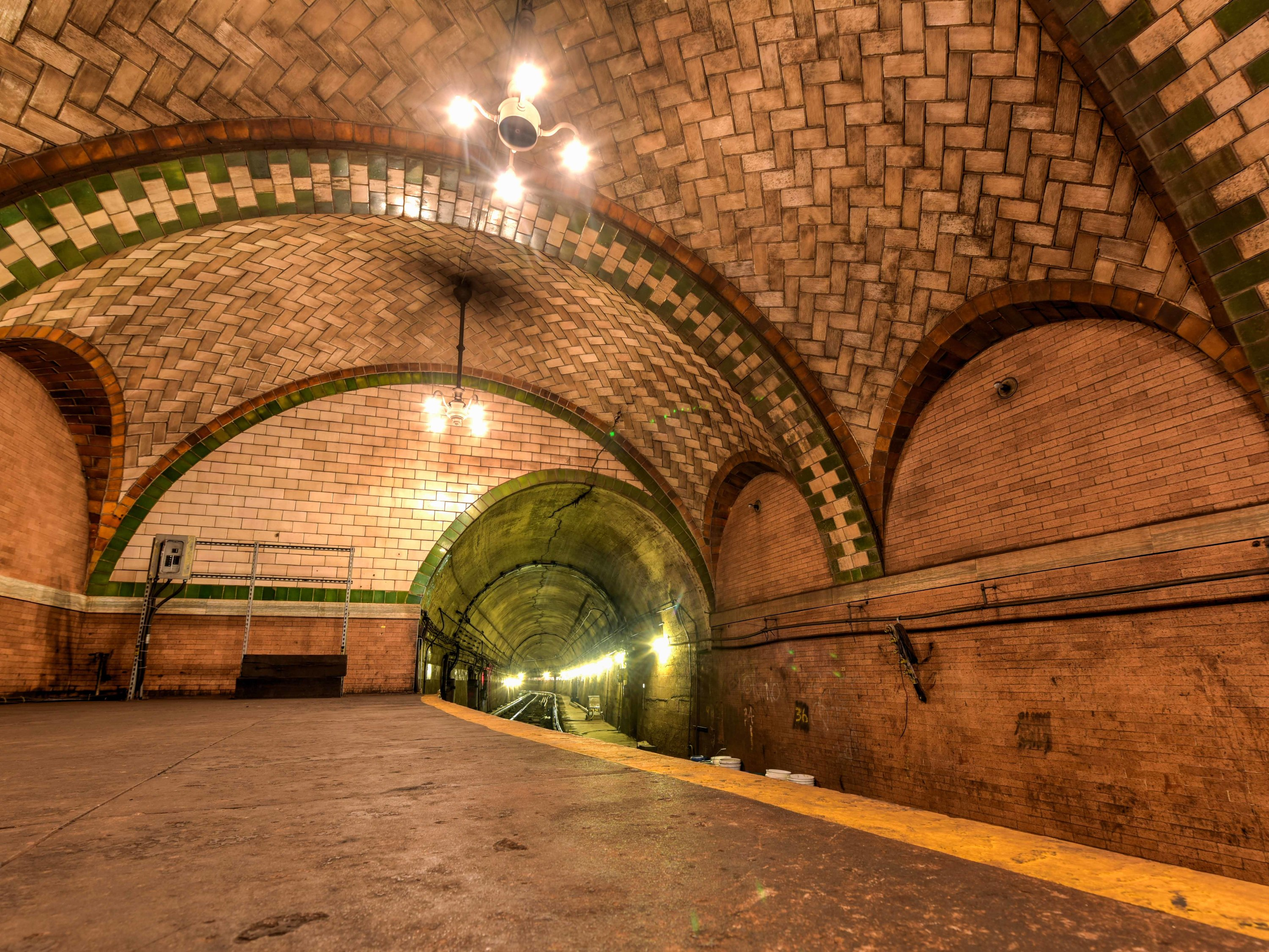 City Hall abandoned subway station
