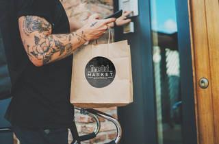 Time Out Market Montréal: Delivery / Livraison