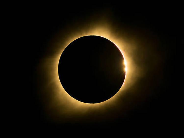 Le 14 décembre : une fantastique éclipse solaire totale