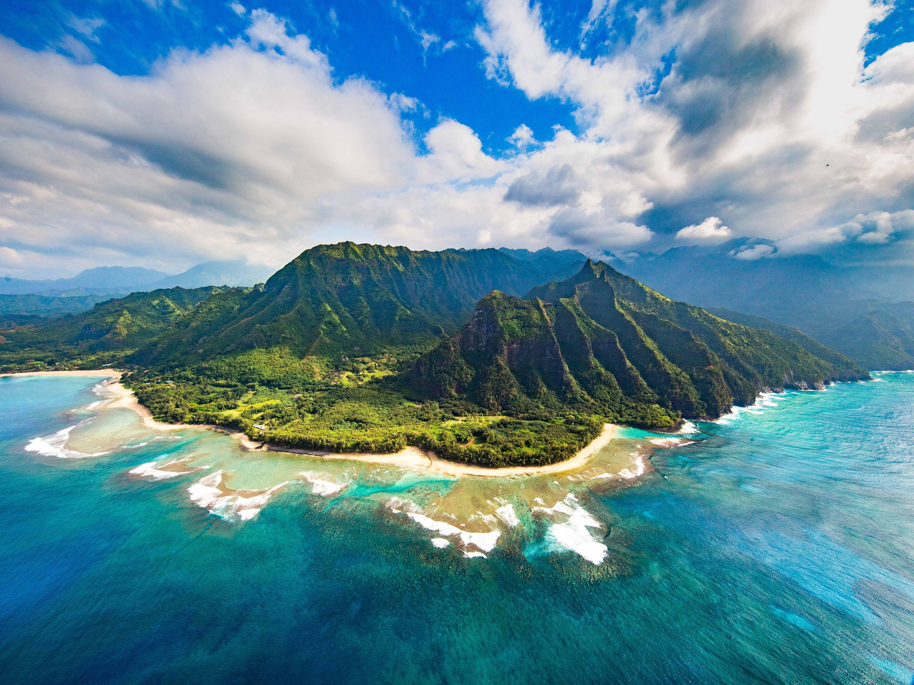 You can score a free one-night hotel stay in Hawaii if vowing to get involved in volunteer work while there