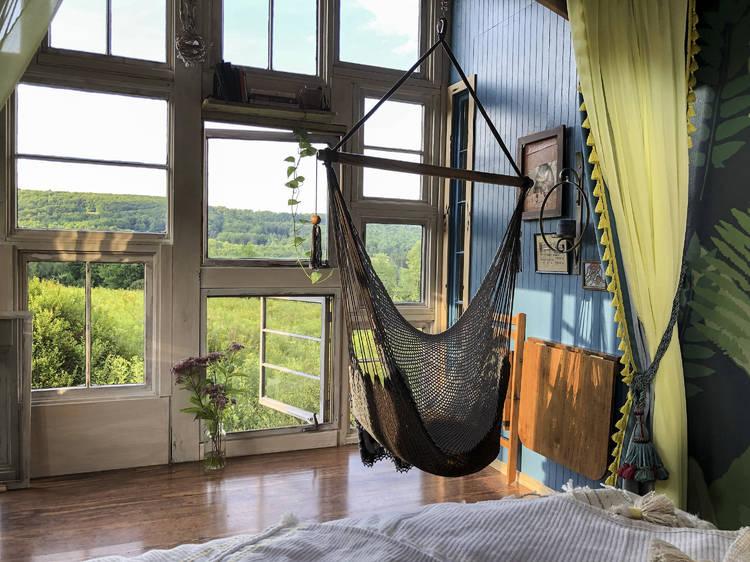 Catskills Birdhouse Tiny House in Roxbury, NY