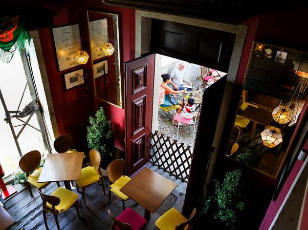 Bar, Wine Bar, Capela Incomum