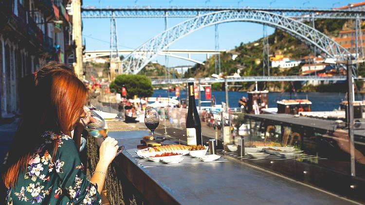 Bar, Wine Bar, Wine Quay Bar