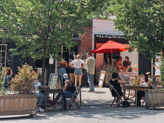 5 great outdoor dining spots in Bed-Stuy
