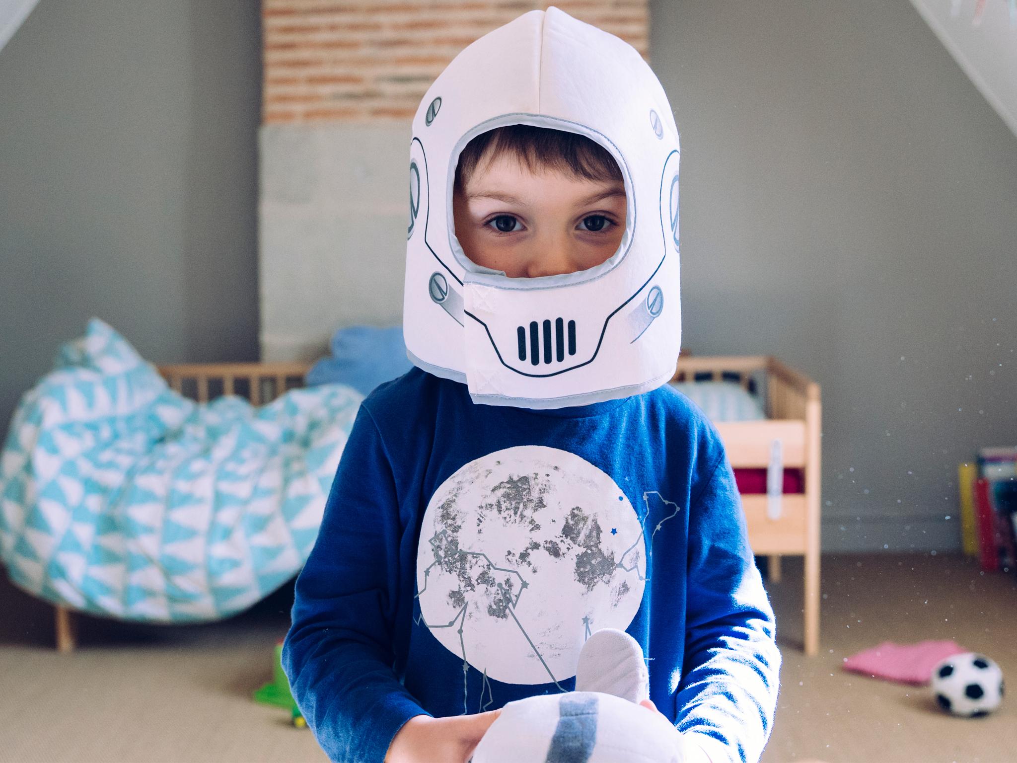 Mini astronautas. Taller en línea para niños